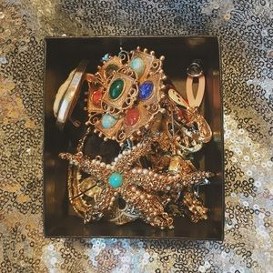 Jewelry - VINTAGE Box of Brooches
